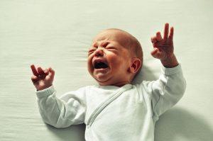 dlaczego dziecko ma kolki